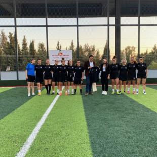 Altay Kadın Futbol Takımı ve Mimarlar Odası İzmir Şubesi Açılış Maçı Gerçekleşti