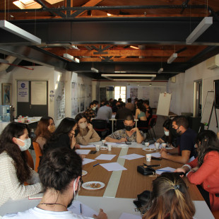 """""""Mimarlık Eğitiminde ve Pratiğinde Değişim/Dayanışma"""" Temalı Öğrenci Forumu VI İzmir Mimarlık Merkezi'nde Gerçekleştirildi"""